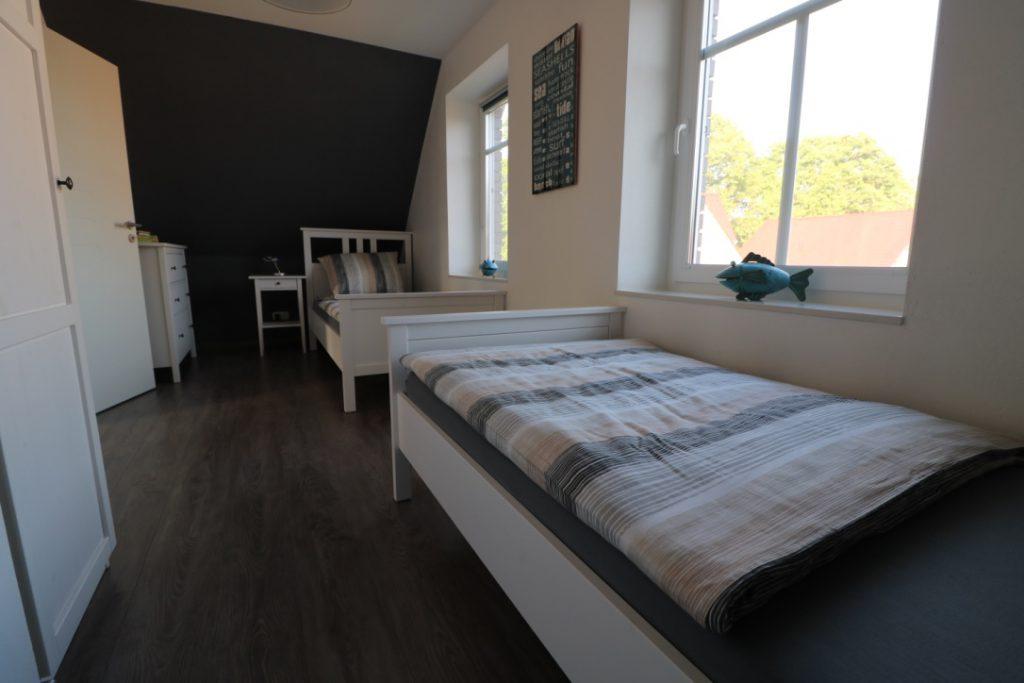3. Schlafzimmer im OG mit zwei Einzelbetten